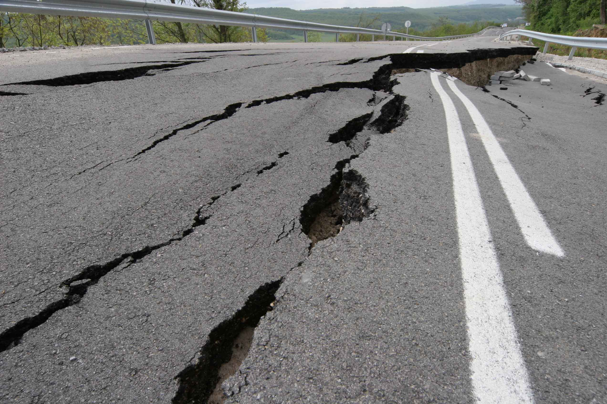 Road prone to earthquakes