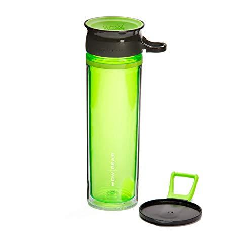 Drikkeflaske i grønn, gjennomsiktig plast