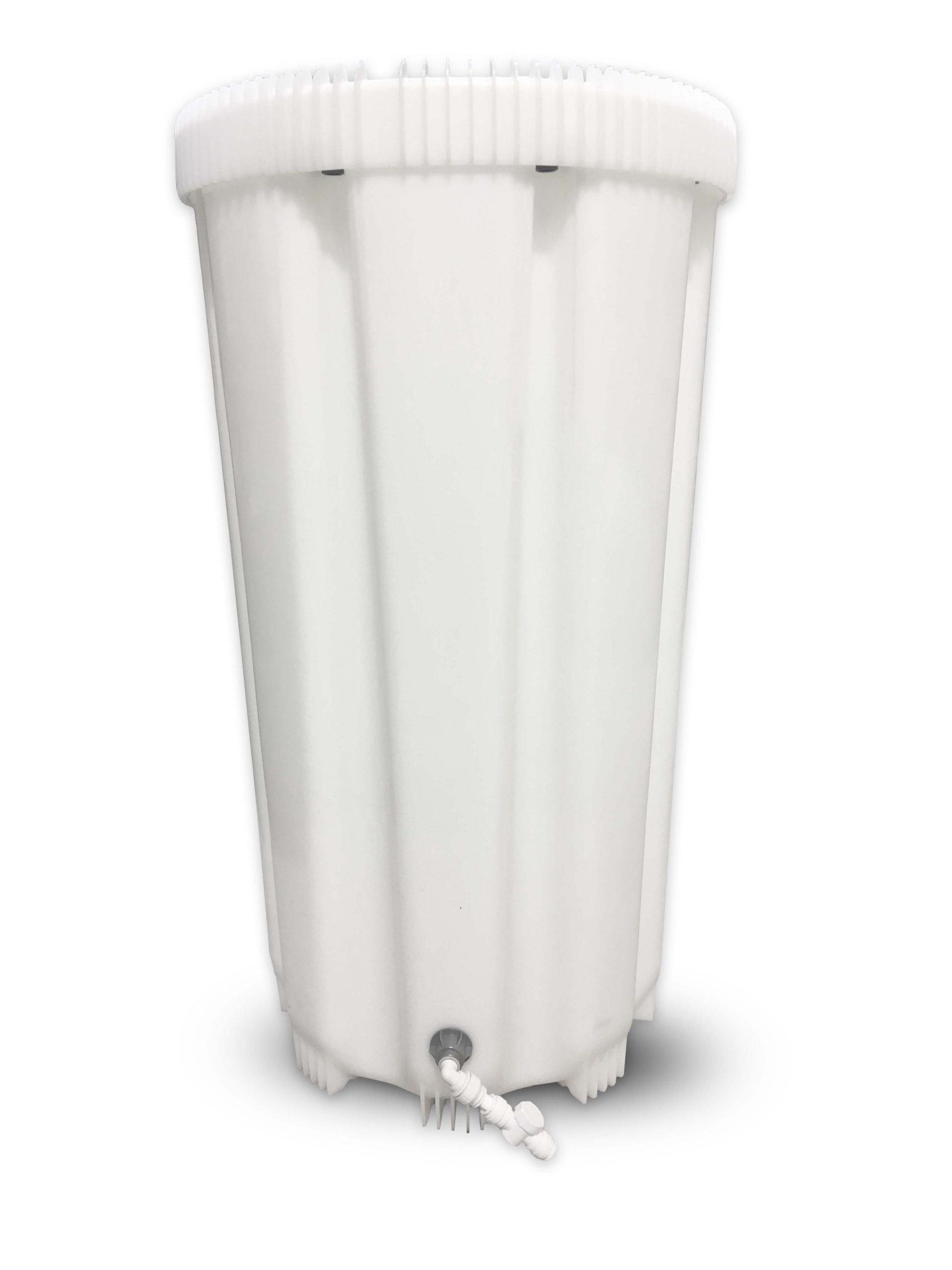 Hvit vanntank