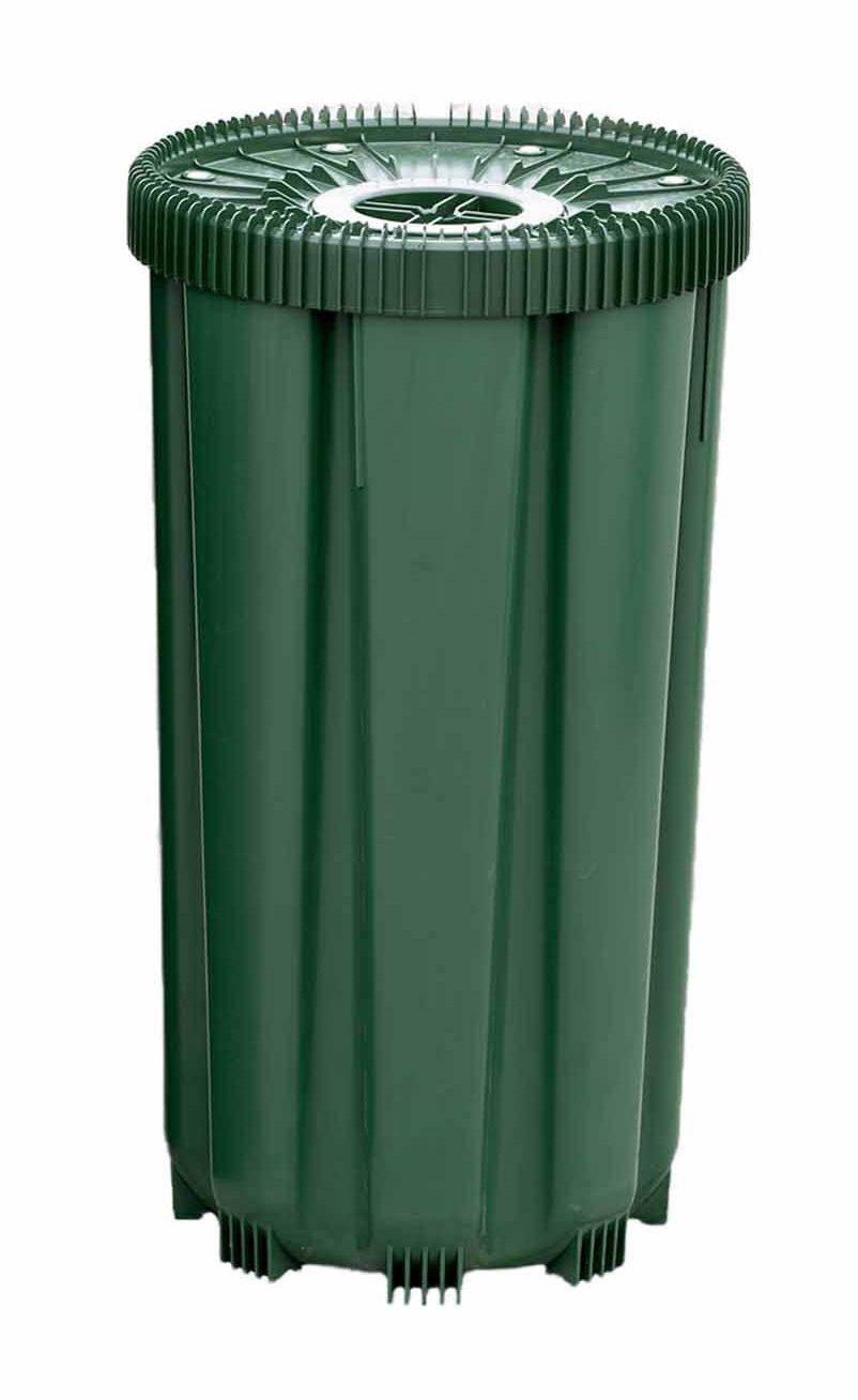Grønn avfallsbeholder med lokk