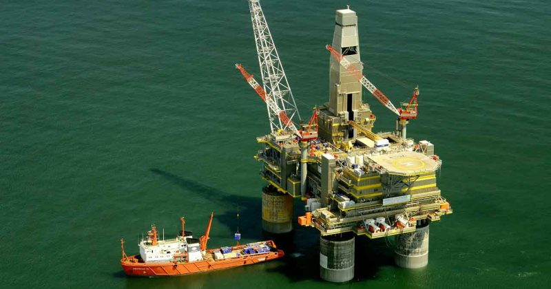Image of oil platform